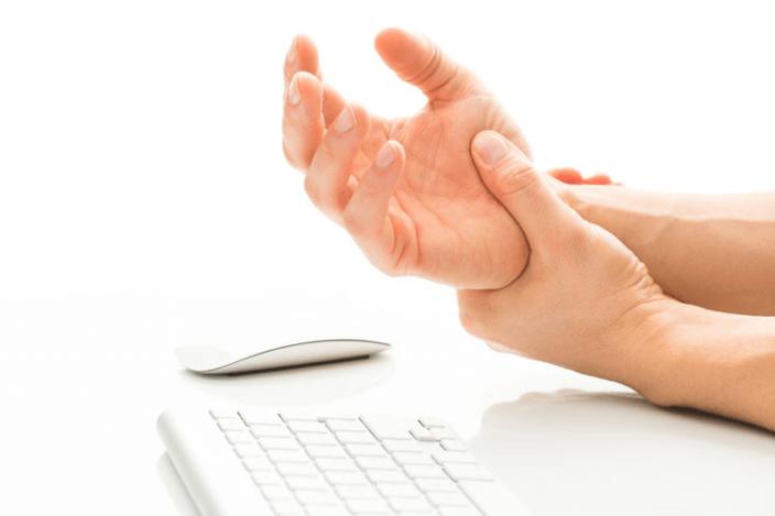 Почему немеют кисти рук: синдром запястного канала